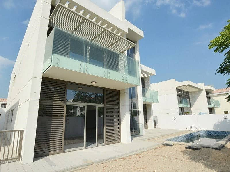 2 5 Bed Contemporary Vacant from December