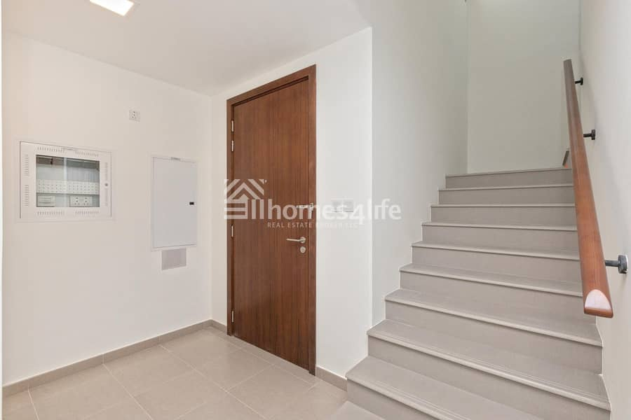 10 Single Row | Brand New and Ready Townhouse