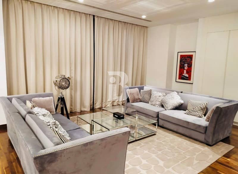 Beautiful Paramount Villa II  Fully Furnished II Golf Course View