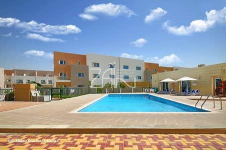 فیلا 3 غرف نوم للبيع في الريف، أبوظبي - Vacant Single Row 3+1 Villa Well Maintained Great Location