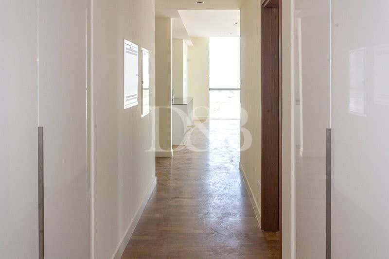 10 Corner Unit | Large Lay Out | Open View