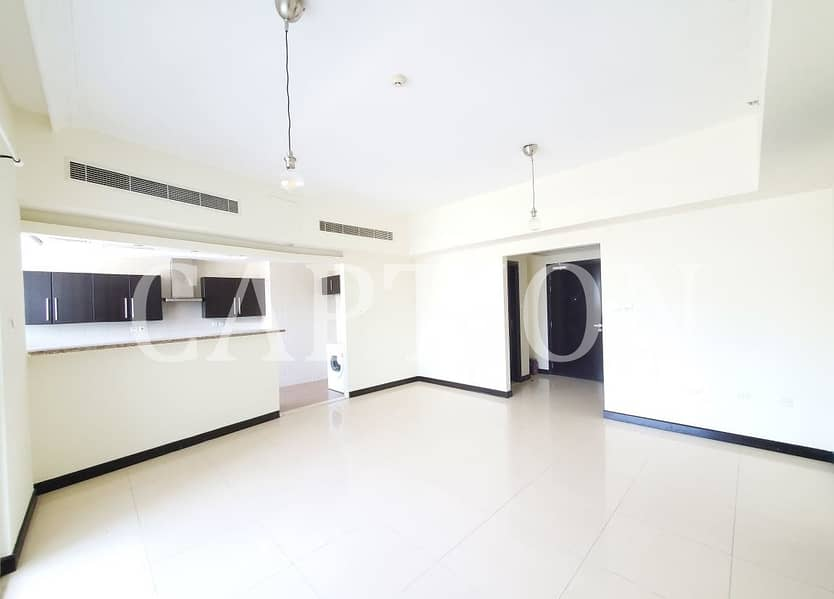 VACANT    READY TO MOVE IN   BRIGHT AND SPACIOUS    1 BEDROOM