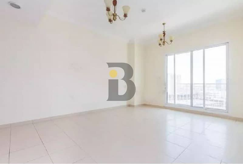 |Spacious 1 Bed | Lake View | Well Maintained
