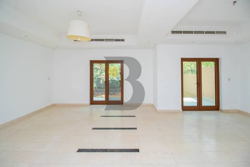 Vacant|Bright|Spacious|3 Bed + Maids+ Store|