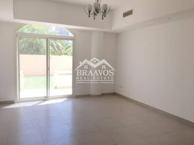 فیلا 4 غرف نوم للايجار في قرية جميرا الدائرية، دبي - Automatic Gated Parking   Beautiful Garden View From Backyard