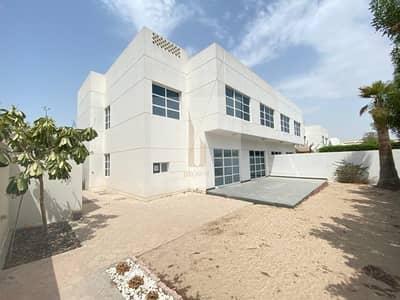 فیلا 4 غرف نوم للايجار في أم سقیم، دبي - White Villa | 4BR+Garden+Maid | Shared Pool & Gym