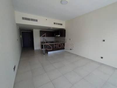 استوديو  للايجار في أبراج بحيرات الجميرا، دبي - Lake View | Close to Metro | Parking | With Balcony