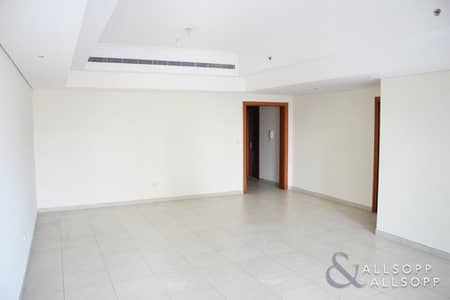 2 Bedroom Flat for Rent in Jumeirah Lake Towers (JLT), Dubai - 2 Bedrooms Plus Maids | Full Lake View