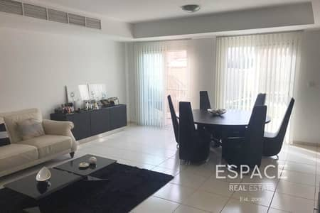 3 Bedroom Villa for Rent in The Springs, Dubai - Upgraded Kitchen - Maintained - Quiet