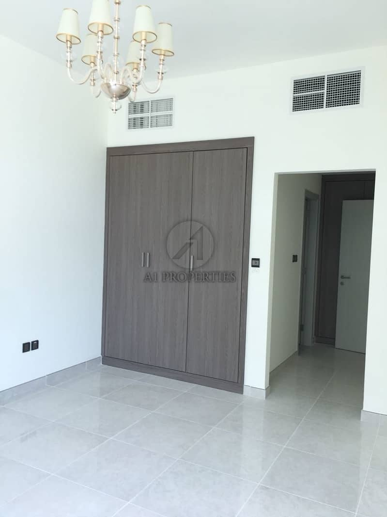 Spacious 2Bed+ Maid | Close to DowntownI Vacant