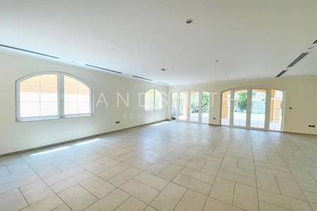 5 Bedroom Villa for Rent in Jumeirah Park, Dubai - Legacy 5BR District 2 Villa