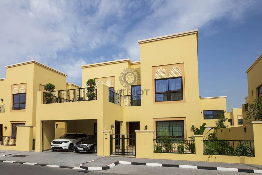 2 Beautiful Very Spacious 5 Bedroom Villa Exclusive For GCC Nationals Only