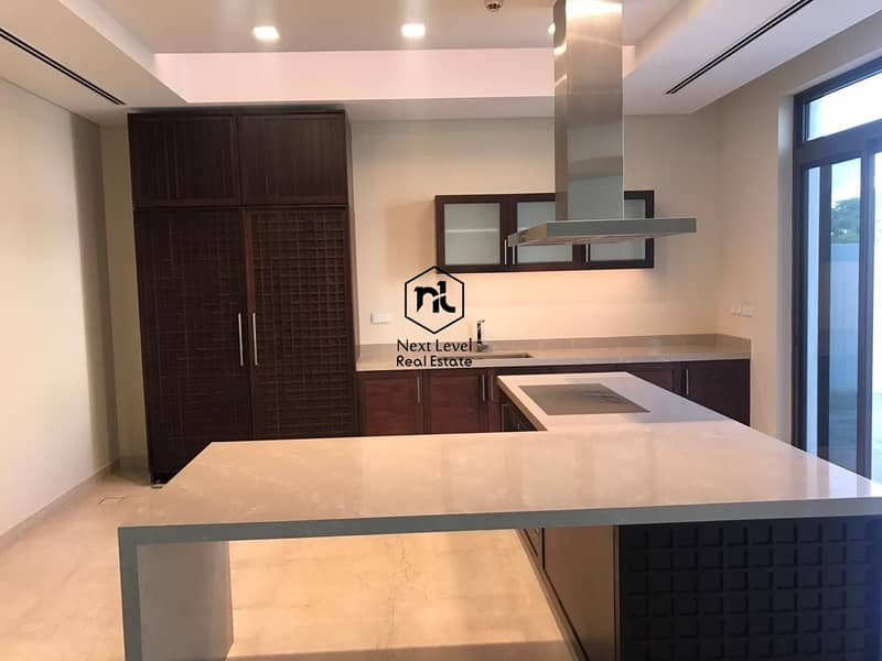 2 The luxurious and elegant 6 BR Villa in MBR-District 1-with lift