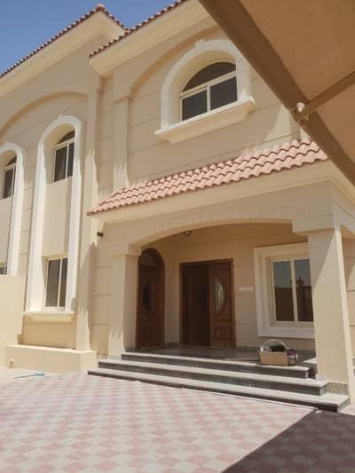 فیلا 5 غرف نوم للايجار في حوشي، الشارقة - فیلا في حوشي 5 غرف 85000 درهم - 4759965