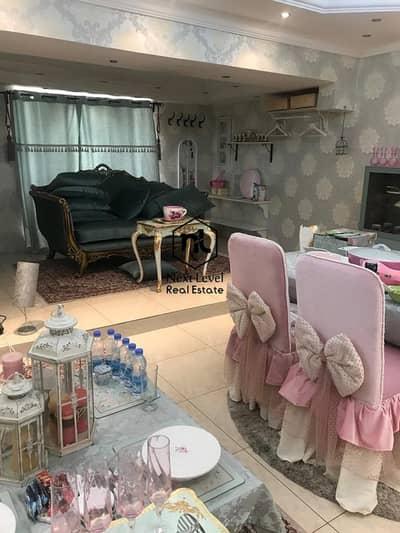فیلا 4 غرف نوم للبيع في الوصل، دبي - Amazing renovated huge villa on box park