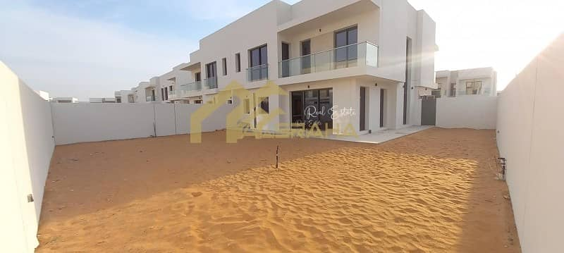   For Rent   Townhouse   4 BR   Golf View   Yas Acres  