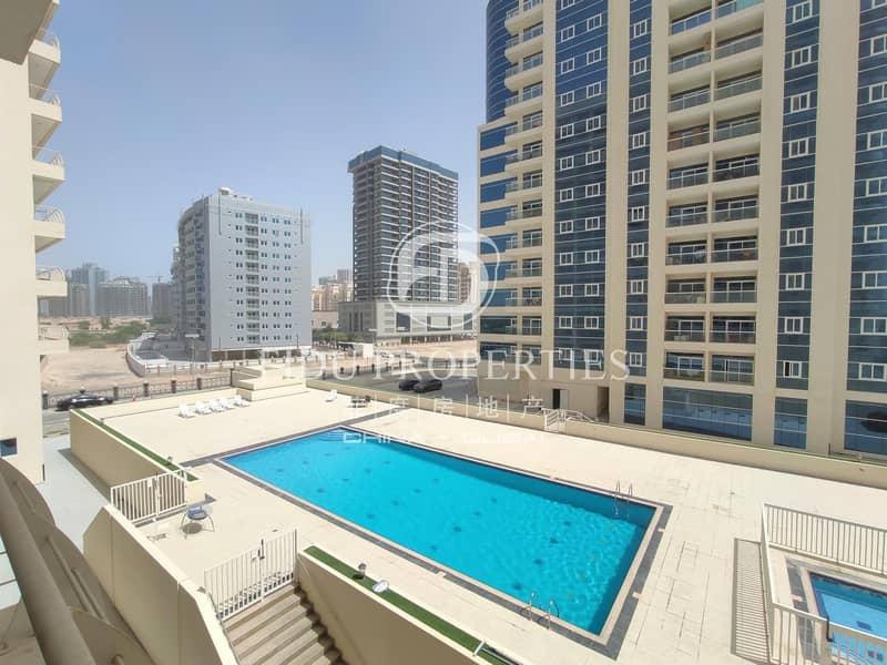 10 Pool view | Mid floor | Recently refurbished