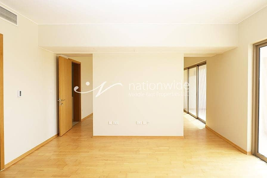 2 A Convenient Family Home with Spacious Layout