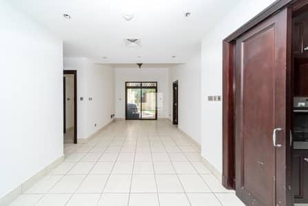 شقة 2 غرفة نوم للايجار في المدينة القديمة، دبي - Private Garden | Spacious | Close to Souk