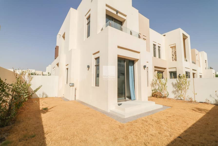 Spacious Villa | Private Garden | Study & Maids Rm