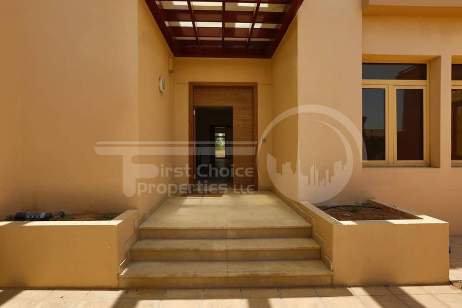 2 Good Price! Huge Villa with Private Pool