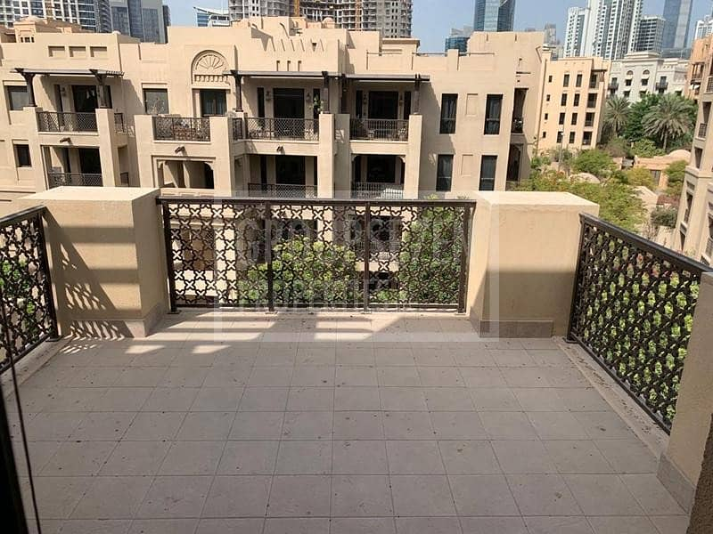 2 1 Bed Apartment for Rent in Old Town