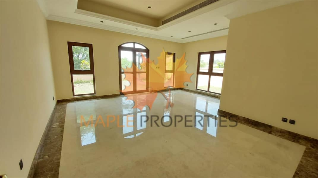 2 Hot Deal | 4BR+M Villa for Sale | Private Pool | Lake View