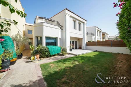 4 Bedroom Villa for Rent in Motor City, Dubai - Upgraded Throughout | Immaculate | 4 Beds