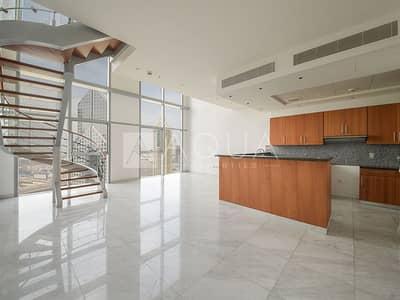 شقة 2 غرفة نوم للبيع في مركز دبي المالي العالمي، دبي - Elegant Fully Furnished Duplex 2 Bed Unit