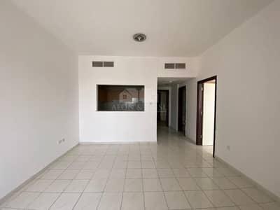 شقة 1 غرفة نوم للبيع في المدينة العالمية، دبي - Vacant 1 Bedroom Apt with Balcony in Italy Cluster