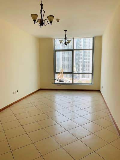 1 Bedroom Flat for Rent in Dubai Marina, Dubai - Very Well Maintained & Bright Apt close to Metro Station with Chiller Free