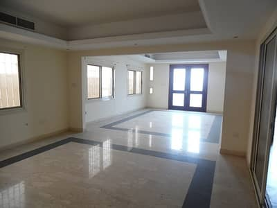 4 Bedroom Villa for Rent in Al Azra, Sharjah - Stylish 4BHK Villa G+1 Duplex Ready to Move