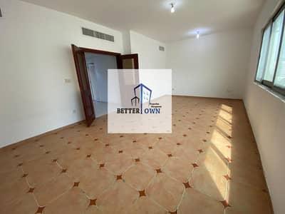 فلیٹ 3 غرف نوم للايجار في بوابة البحرية، أبوظبي - Spacious 3 Bedrooms 3 Bathrooms+Maid Room Located Navy gate in 70k