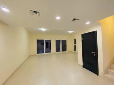 فیلا 3 غرف نوم للبيع في المدينة العالمية، دبي - فیلا في قرية ورسان المدينة العالمية 3 غرف 1300000 درهم - 4620352