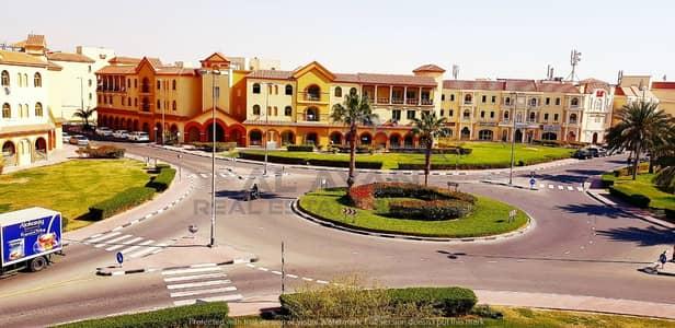 محل تجاري  للايجار في المدينة العالمية، دبي - محل تجاري في الحي الإسباني المدينة العالمية 36000 درهم - 4763592