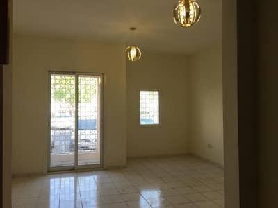 استوديو  للايجار في المدينة العالمية، دبي - شقة في الحي الإيطالي المدينة العالمية 17000 درهم - 4675877