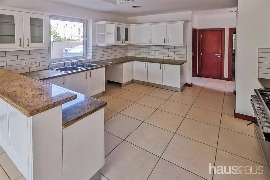 2 Reduced | Upgraded Kitchen | Lovely Garden