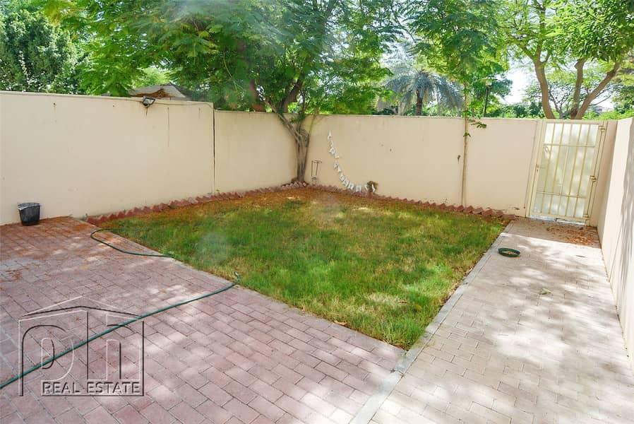 Landscaped Garden - Single Row - Open Plan Kitchen