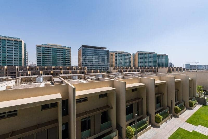 10 Gorgeous Fully Furnished|1BH Apt|Ready to Move in