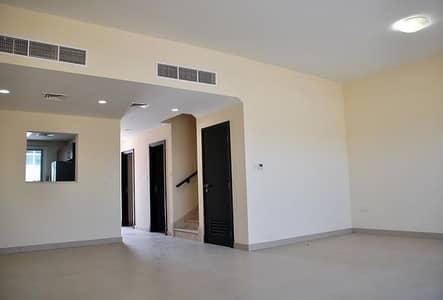 فیلا 3 غرف نوم للايجار في المدينة العالمية، دبي - فیلا في قرية ورسان المدينة العالمية 3 غرف 70000 درهم - 4134227