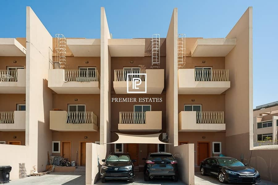 15 4 Master Bedrooms with en-suites and Balcony