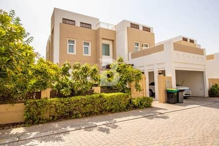 فیلا 3 غرف نوم للايجار في مدن، دبي - Large Plot | 3+Maid | Designer Curtains|