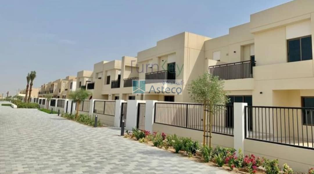 Noor Townhouse / Ready To Move in