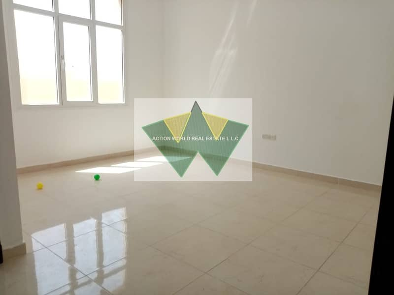 2 Fabolous 4 BHK with Maid room  with private intrance in Baniyas