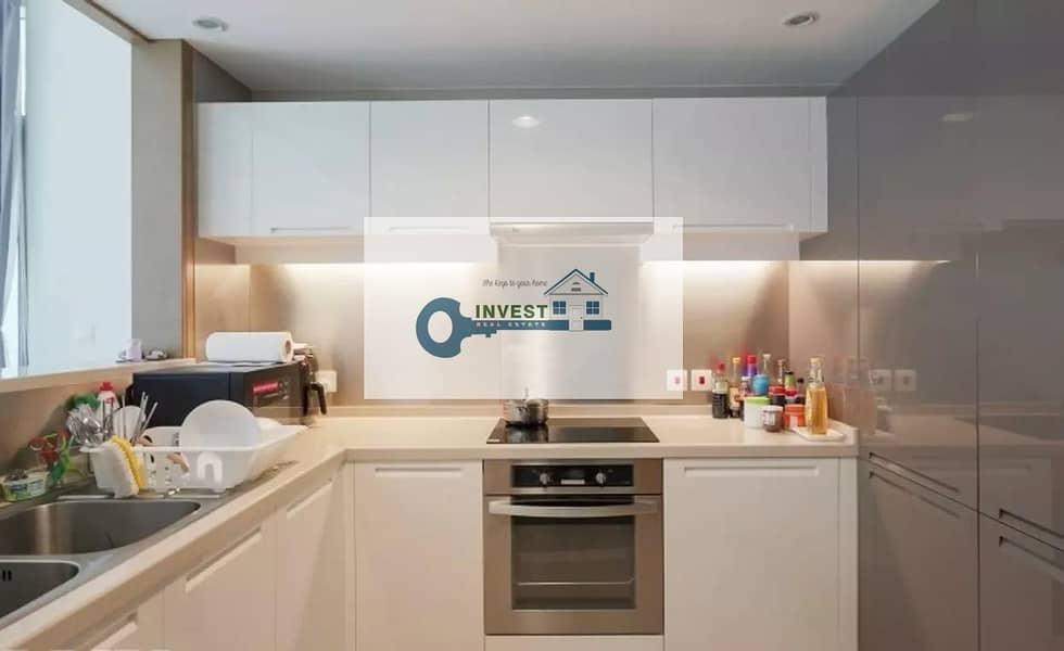 2 Corner unit | Fully furnished | Bright unit | Amezing boulevard view Chiller Free