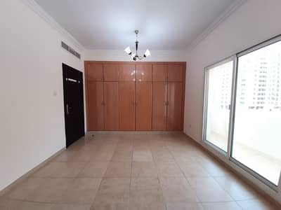 PRIME LOCATION CLOSE TO NMC HOSPITAL 1BHK FOR RENT GAS FREE + 1MONTH FREE