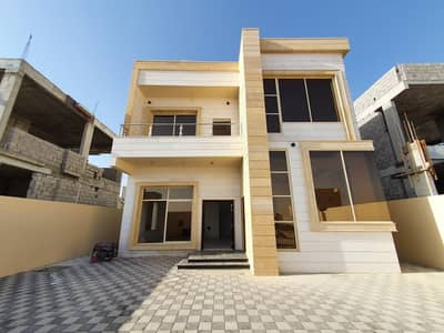 3 Bedroom Villa for Sale in Al Helio, Ajman - A new modern villa, the first inhabitant of 3 rooms, with excellent finishing and price, on a main street. . . . .