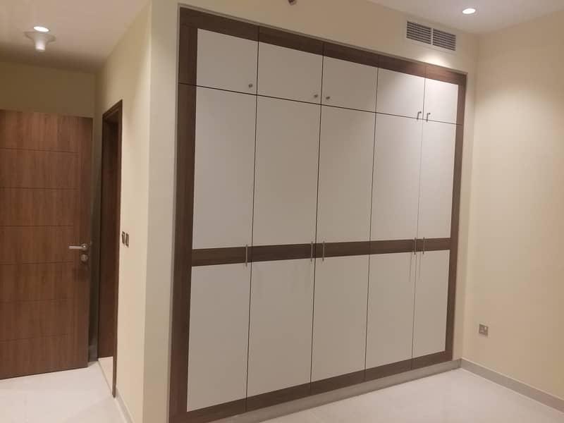 شقة في المطينة ديرة 1 غرف 42999 درهم - 4765236