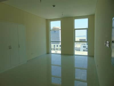 Studio for Rent in Business Bay, Dubai - Cozy Studio Apartment at Park Central in Business Bay