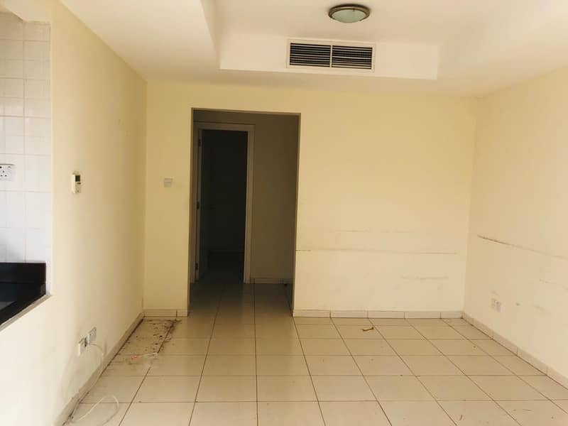 Hot Offer!! 2 Bedroom large, ready to move,for Rent